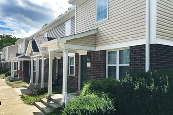 1517 Cottage St 2-4 Beds Apartment for Rent Photo Gallery 1