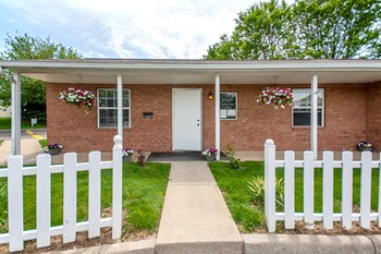 3939 Rosland Drive 2-3 Beds Apartment for Rent Photo Gallery 1