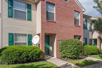 2350 Courtright Rd 2-3 Beds Apartment for Rent Photo Gallery 1