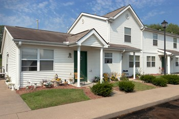 401 Columbia Ct 2-3 Beds Apartment for Rent Photo Gallery 1