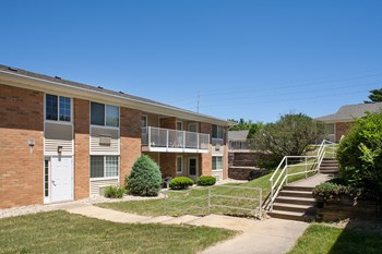2401 North Gale Ave 1-2 Beds Apartment for Rent Photo Gallery 1