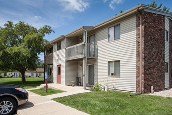 2015 Franklin Ct. 1-2 Beds Apartment for Rent Photo Gallery 1