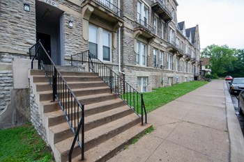 2026 Eleanor Place Suite 40 3 Beds Apartment for Rent Photo Gallery 1