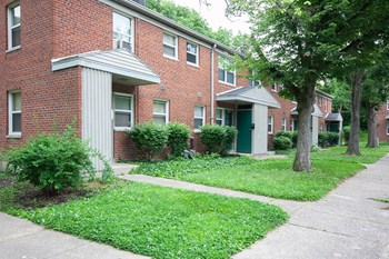 7076B Glen Meadows Lane 3 Beds Apartment for Rent Photo Gallery 1