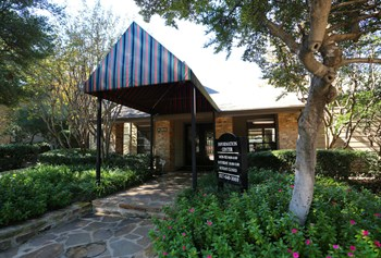 2606 Holly Brook Lane 1-2 Beds Apartment for Rent Photo Gallery 1