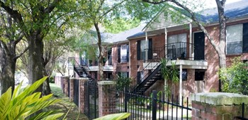 2801 Walnut Bend Lane 1-2 Beds Apartment for Rent Photo Gallery 1