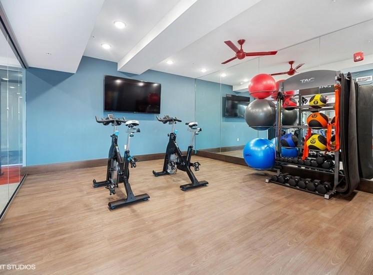 Yoga and Spinning Studio with Fitness on Demand - the Monarch Apartments in Des Plaines