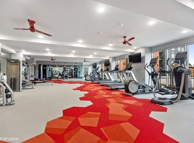 State-of-the-art Workout Room with On-demand Technology - Luxury Apartments in Des Plaines