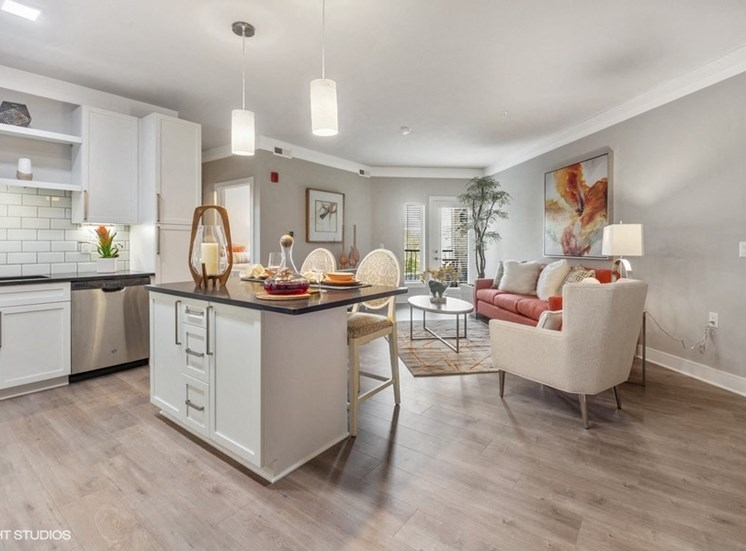 Open Concept Floorplan with Upgraded Finishes and Hardwood-style Floors - Apartments in Des Plaines