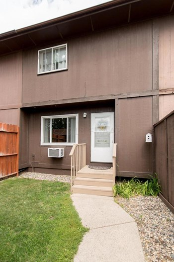 541 4th Avenue Northwest 3 Beds House for Rent Photo Gallery 1