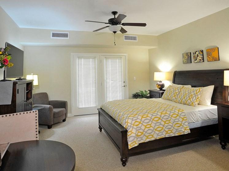 Guest Suite at Rose Senior Living – Clinton Township, Michigan