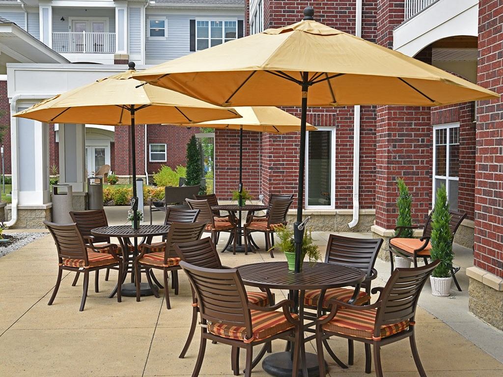Outdoor Seating Areas at Heritage at Irene Woods, Tennessee, 38125