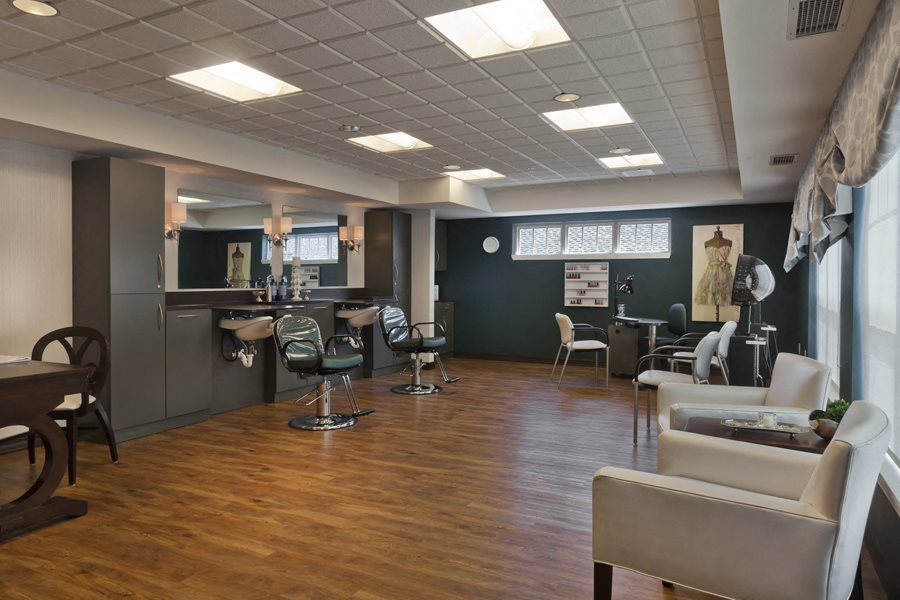 Beauty Salon On-Site at Heritage at Irene Woods, Memphis