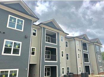 2550 Pillow Dr. 1-3 Beds Apartment for Rent Photo Gallery 1