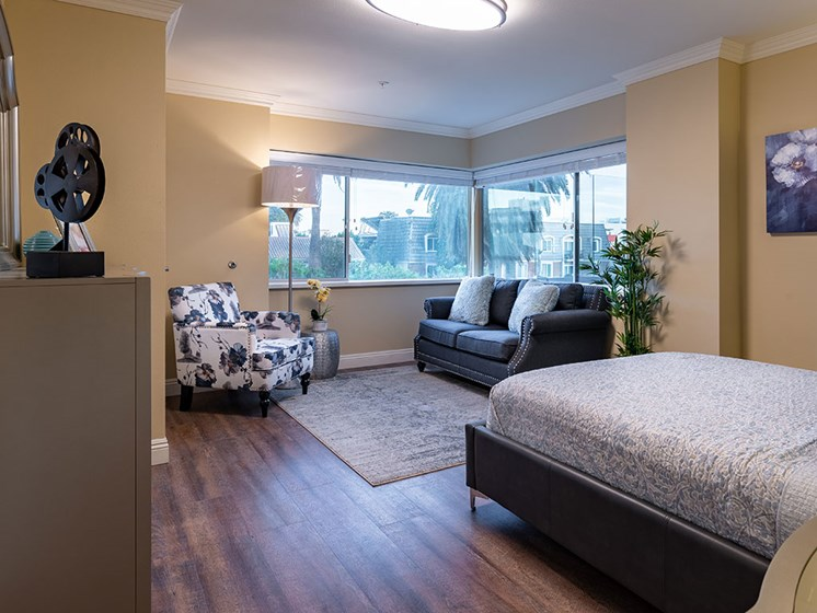 King Size Bedroom at Hollywood Hills, A Pacifica Senior Living Community, Los Angeles, 90028