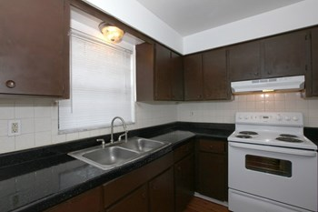 1701 E 131st Ave 1-2 Beds Apartment for Rent Photo Gallery 1