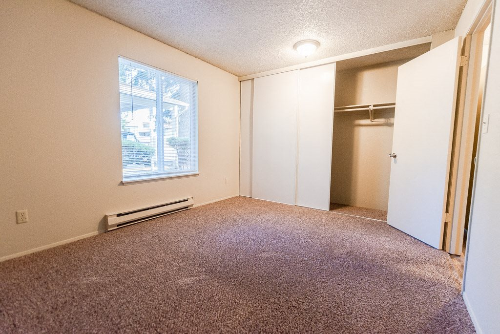 Lakewood Apartments - Arbor Pointe Apartments - Bedroom
