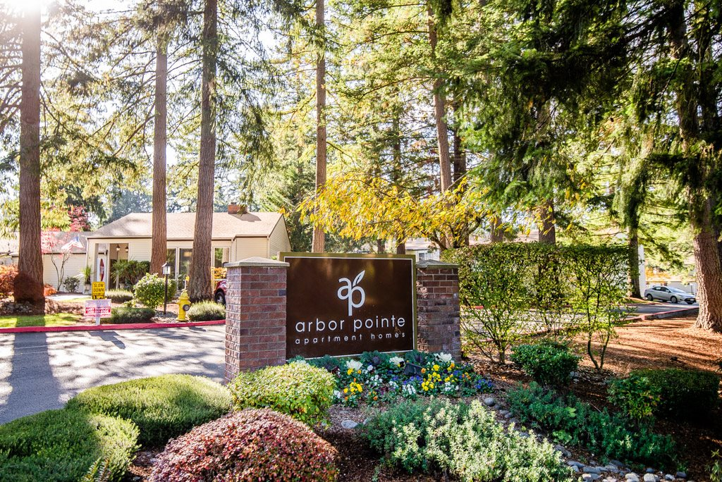 Lakewood Apartments - Arbor Pointe Apartments - Sign
