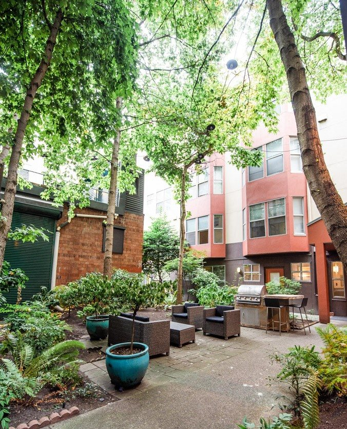 Seattle Apartments - Ellis Court Apartments - Common Courtyard and Gas Grill