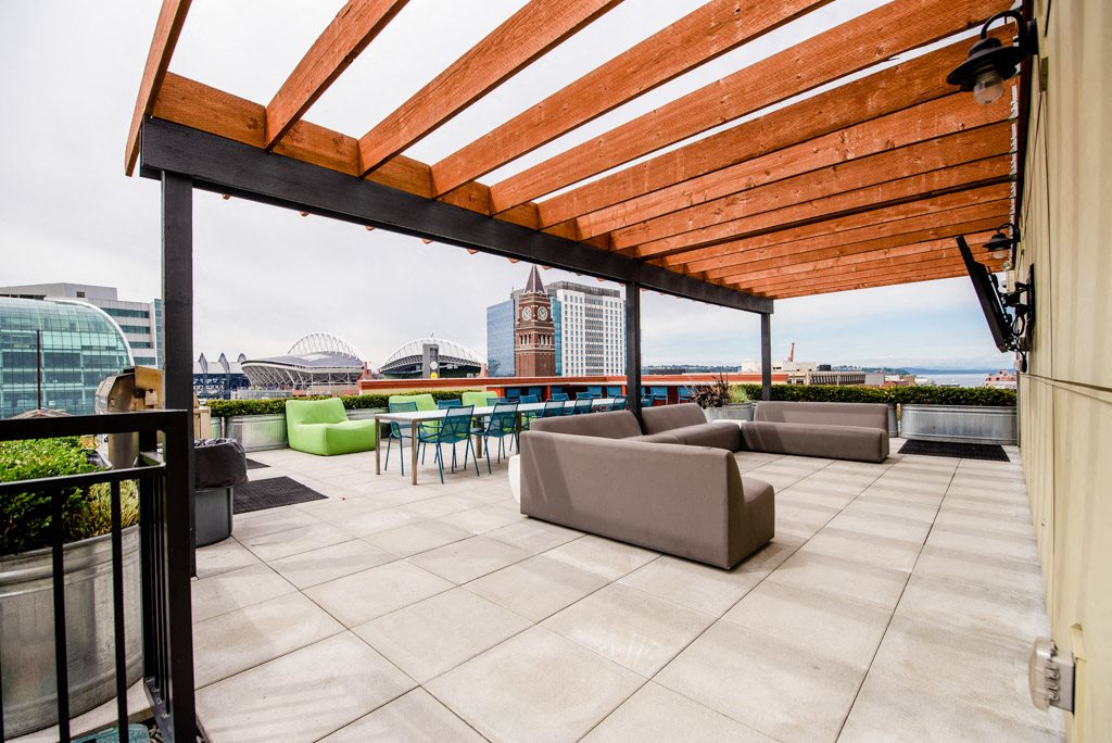 Seattle Apartments - Icon Apartments - Common Rooftop Deck 1