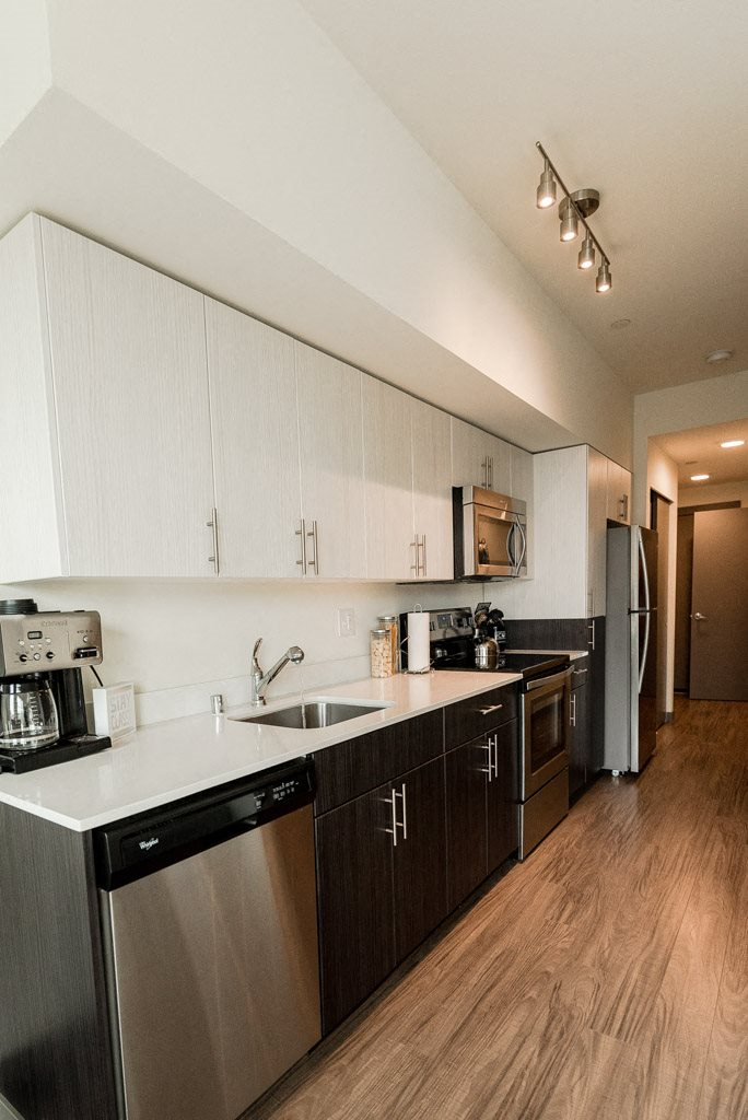 Seattle Apartments - Icon Apartments - Kitchen and Entryway