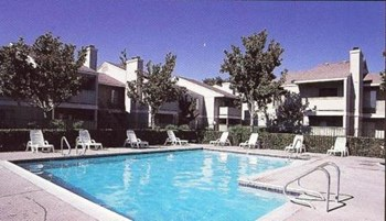 3525 San Clemente Avenue 1-2 Beds Apartment for Rent Photo Gallery 1