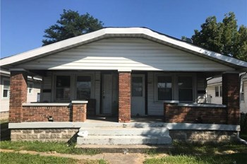4432 E. 10th Street 1 Bed Apartment for Rent Photo Gallery 1