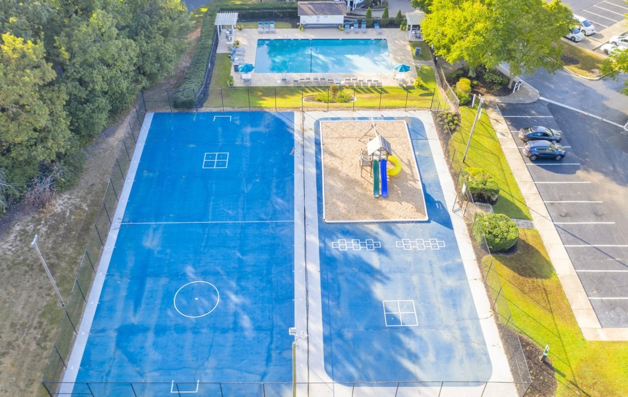 Fitness Court at Chimneys of Greenville apartment homes in Taylors, SC