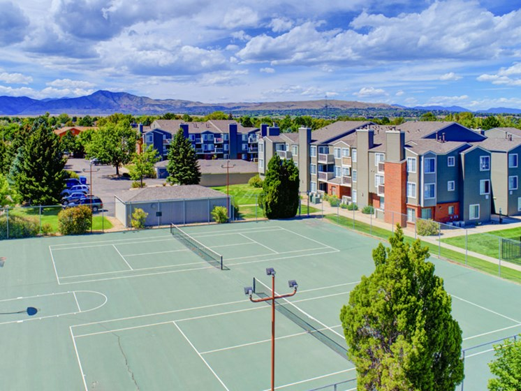 outdoor tennis courts at apartment complex in lakewood co