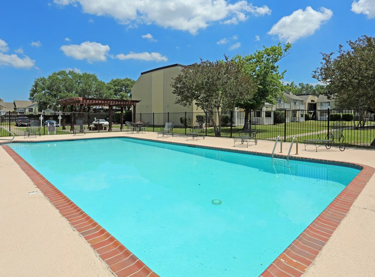 Pecan Acres Apartments in Lake Charles swimming pool and sundeck