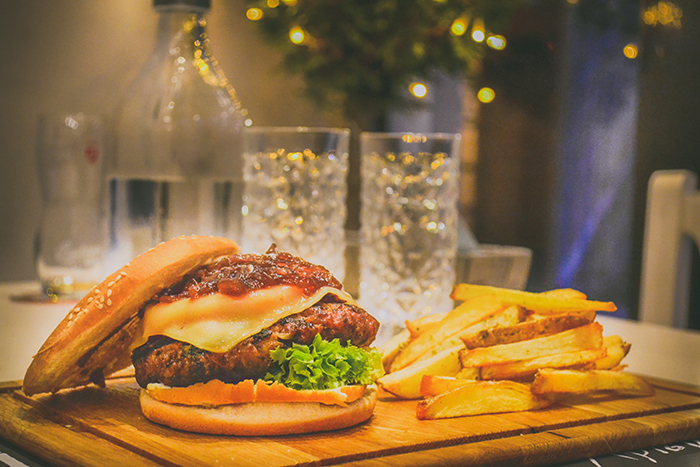 Best Burgers Near Your Apartments in Medical Center