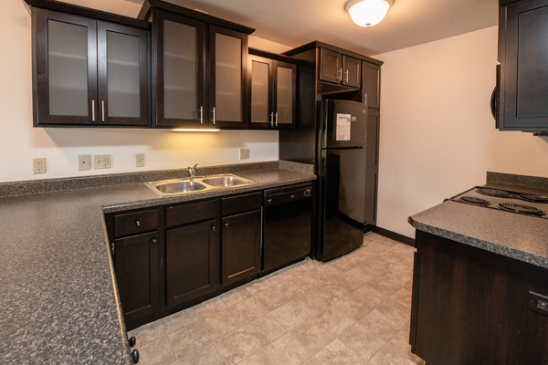 Americana Apartments B | East Lansing Apartments Near Michigan State University