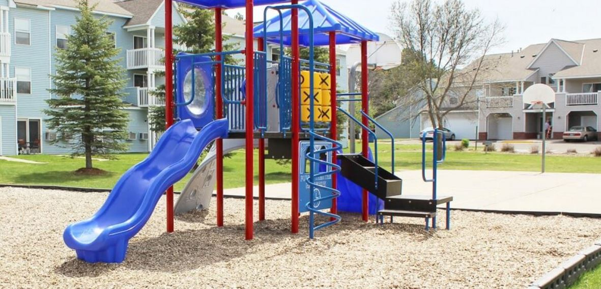 Coon Rapids Apartments with a playground