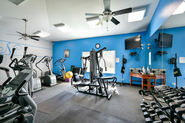 Apartments in Waukegan with Fitness Center