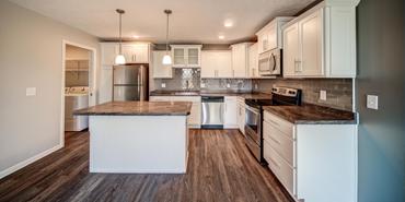 Pine Lane Estates Apartments in Lansing Michigan