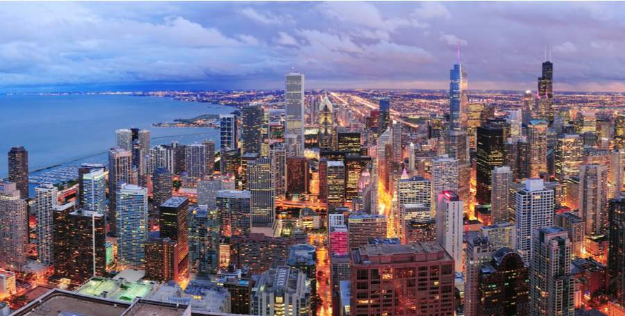 Photo of the city of Chicago at dusk