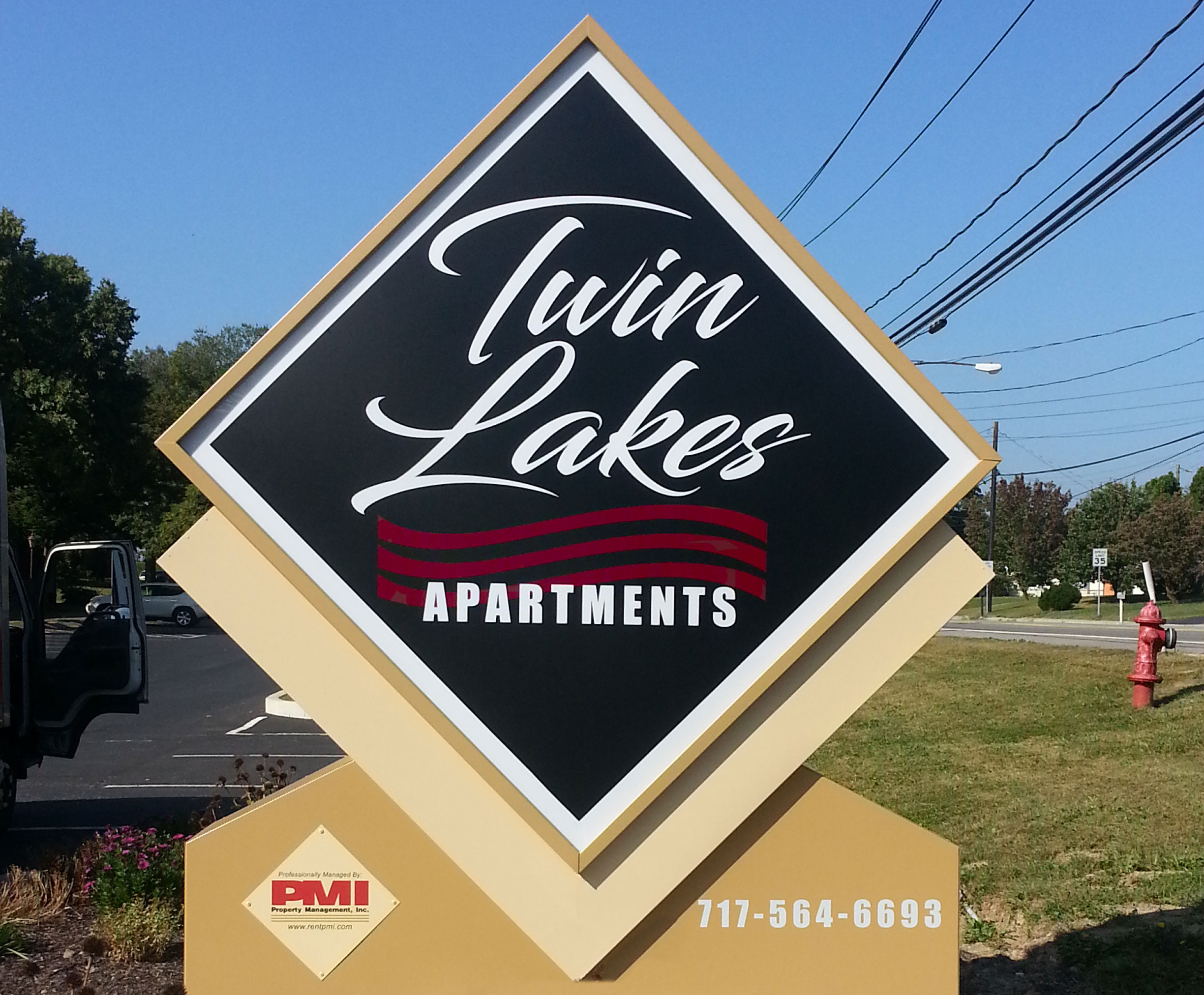 Harrisburg Apartments | Twin Lakes Apartment Sign | Property Management, Inc.
